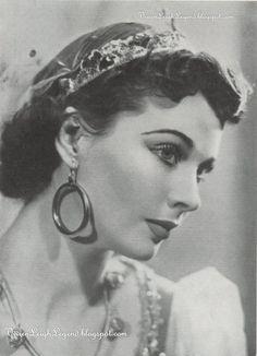 "Photo of Vivien in ""The Happy Hypocrite"", by Angus McBean, 1936"