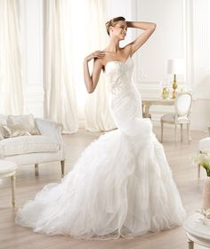Pronovias presents the Oita wedding dress. Dreams 2014. | Pronovias