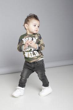 Baby Born Wild. Super stoere lange mouwen shirt van Tumble N Dry met legerprint. www.kienk.nl #babykleding #legerprint #TumbleNDry #shirt