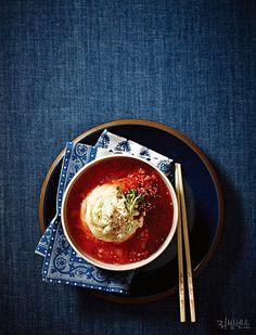 냉면 korea food iced noodles