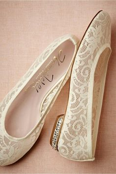 Pretty Lace Flats bridal shoes ▪ manoletinas planas de encaje para novias