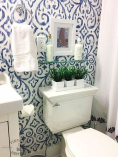 How to Make a Tiny Bathroom Feel Bright and Spacious