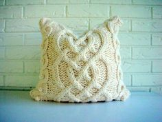Knit pillow cover