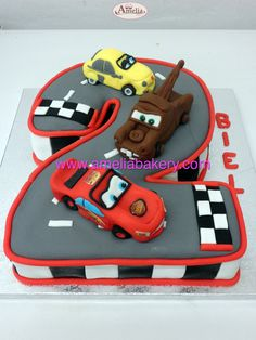 Tarta numero 2 Rayo Mac Queen Cars #tartas #tartasfondant #fondant #personalizadas #pasteles #ameliabakery #carsdisney #disney #tartasinfantiles #rayomacqueen
