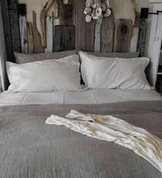 Set Adrift: Driftwood Projects For The Nest. Love this headboard!!