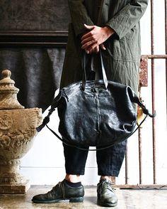 Coat...#arakiyuu  Shirt...#arakiyuu  Pants...#devoa  Bag...#lucabianchini  Shoes...#guidi #gullam