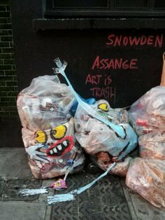 In July, Spanish artist Francisco De Pajaro really started making a name for himself on the streets of London with his imaginative 'Art is Trash' tags