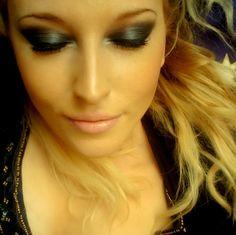 Make Up and more: Mitternachtsblaues AMU