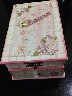 Caixa para laços,tiaras e fitas,decoração em papel Scrap,pérolas e flores!!,
