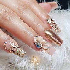 Beige Nails, Gold Nails, Elegant Nails, Stylish Nails, Cute Nails, Pretty Nails, Gorgeous Nails, Nail Art Designs, Acrylic Nails