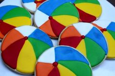 Beach Ball Cookies Are a Poolside Favorite - Foodista.com