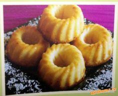 Mini bábovky s kokosem Doughnut, Desserts, Food, Tailgate Desserts, Deserts, Essen, Postres, Meals, Dessert