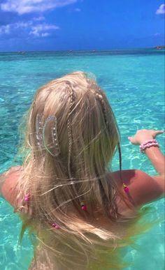 Beach Aesthetic, Aesthetic Hair, Summer Aesthetic, Flower Aesthetic, Travel Aesthetic, Summer Dream, Summer Girls, Summer Hair, Vintage Bikini