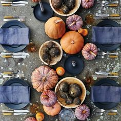 Lovely idea for a Halloween or Thanksgiving dinner setting