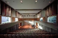 Fitzwilliam-College-Auditorium.jpg (380×249)