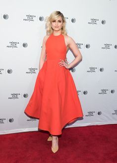 Pin for Later: This Week's Top 10 Know How to Pull Off an Ultrafeminine Look Dianna Agron Dianna showed up at the premiere of Bare in a red-hot, full-skirted Rosie Assoulin dress, which definitely gave us retro glamour vibes. Celebrity Red Carpet, Celebrity Dresses, Celebrity Style, Dianna Agron, Red Carpet Gowns, Poncho, Hollywood Celebrities, Celebrities Fashion, Red Carpet Fashion
