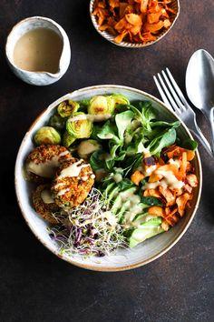 Super green buddha bowls clean eating vegetarian, easy healthy vegetarian r Healthy Food Recipes, Whole Food Recipes, Healthy Snacks, Diet Recipes, Recipes Dinner, Crockpot Recipes, Soup Recipes, Salad Recipes, Chicken Recipes