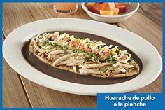 esayuno wings feb 15 Huarache de pollo a la plancha  Con rajas poblanas, sobre crema de frijol.