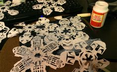 star-wars-snow-flakes! Oh my word! Oh my word! This is way too cool!
