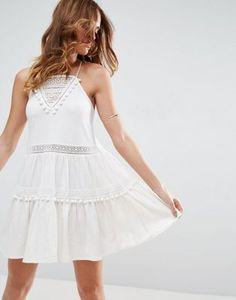 ASOS – Sommerkleid mit weißen Spitzeneinsätzen und Bommeln