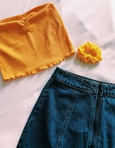 cute yellow top with a ribbed henley detail + a bright yellow scrunchie + pair of dark wash mom shorts College Outfits, New Outfits, Spring Outfits, Trendy Outfits, Cute Outfits, Fashion Outfits, Cute Fashion, Teen Fashion, Womens Fashion