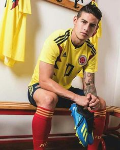 James Rodriguez Colombia, James Rodrigues, Football Is Life, World Football, Soccer Guys, Football Players, J Rodriguez, James 10, Equipe Real Madrid