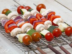 Important BBQ Tools for Preparing Food – Grilling Doctor Vegetarian Barbecue, Vegetarian Recipes, Healthy Recipes, Veggie Bbq, Bbq Party, Cobb Bbq, Side Dishes For Bbq, Menu, Bbq Grill