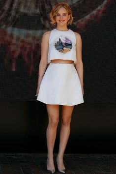 Festival de Cannes: Jennifer Lawrence en Dior - EN IMAGES. Festival de Cannes: Tailleurs pantalon et robes à traîne pour Saint Laurent - L'E...