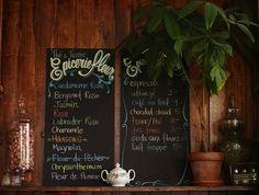 Café Fushia Épicerie Fleur – 4050 Avenue Coloniale Montréal, QC H2W 1C8