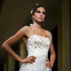 Desfile Carol Hungria | Salão Casamoda Noivas 2016 - Portal iCasei Casamentos