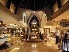 Luxury Hotel in Abu Dhabi - Shangri-La Hotel, Qaryat Al Beri, Abu Dhabi