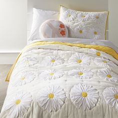 Sale ends soon. With our Daisy Quilt, fresh style will surely blossom in your kid's room. The front of this quilt has an off-white canvas base, yellow trim and white appliqued voile daises. Teenage Girl Bedroom Decor, Girl Bedroom Designs, Home Decor Bedroom, Girls Bedroom, Bedrooms, Gold Bed, Childrens Beds, Twin Quilt, Queen Quilt