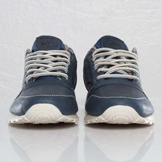 Reebok - Classic Leather Lux - J92311 - Sneakersnstuff, sneakers & streetwear på nätet sen 1999