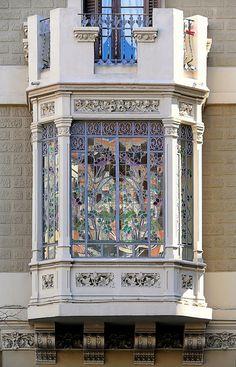 Casa Tomás Vendrell.    Architect: Miquel Madorell i Rius. Barcelona - Sants