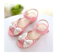 Girls sandals with bow on front $2.93 from Aliexpress