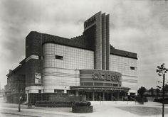 Constructed in 1935 to a symmetrical, modernist, art deco design, it opened in Birmingham as part of the Odeon chain in July that year. It closed as a cinema in late 1962 but survives as a bingo hall. Art Nouveau, Harlem Renaissance, Bauhaus, Birmingham Art, Birmingham England, Cinema Architecture, Habitat Collectif, Moda Art Deco, Art Deco Pictures