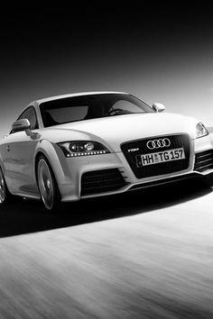#Audi #TT #Agerie L'Audi TT Coupé. L'émotion pure mise en forme et en fonction. La consistance pure en qualité et en efficience. La sportivité pure portée sur la route.