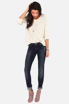 I just like this entire outfit, comfy sweater, ankle skinnies, and peep toe booties!