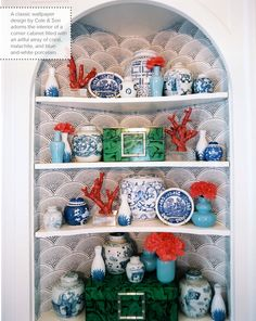 Blue And White Porcelain design ideas and photos to inspire your next home decor project or remodel. Check out Blue And White Porcelain photo galleries full of ideas for your home, apartment or office. Wallpaper Shelves, Of Wallpaper, Waves Wallpaper, Blue And White China, Blue China, Coral Blue, Coral Accents, Coral Turquoise, Emerald Green