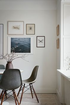 lovely picture wall idea - Gorgeous neutral tones - Hege in France