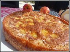 recette - Le moelleux aux pommes au thermomix (recette tupp)      150 g de farine     1 sachet de levure chimique     120 g de sucre - + 130 g     70 g de lait      60 g de beurre - + 100 g     2 oeufs - + 2 oeufs     4 pommes - à cuire