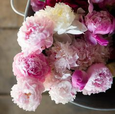 Pretty flowers: http://www.stylemepretty.com/living/2015/04/28/smp-pretty-picks-mothers-day-gift-guide/