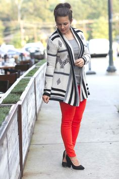 New look is up on the blog. The perfect boyfriend cardigan from @BB DAKOTA