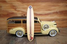 1948 Ford Woody 1/18 scale diecast metal model toy vintage antique car truck Motor City classic automobile collectible birthday wood surf
