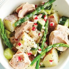 Buttermilk Dill Tuna Salad: Fresh asparagus cleverly replaces the green beans in this Niçoise-style salad.