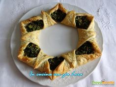Torta salata natalizia centrotavola facile  #ricette #food #recipes