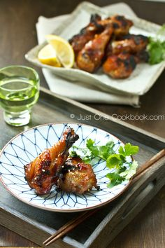 JAPANESE BBQ Chicken Wings 1.5-2 lb chicken wings/drumettes Seasonings 1 cup soy sauce 1 cup mirin 1/2 cup sugar 1/4 cup gochujang 8 garlic cloves, minced or garlic-pressed 2 Tbsp. sesame oil 1 Tbsp. sesame seeds 1 green onion, finely chopped 1 Tbsp. honey 1 Fuji apple, grated