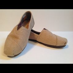 TOMS Burlap Flats. Classic TOMS classic burlap flats. Size 7.5. Excellent condition. Very clean. TOMS Shoes Flats & Loafers