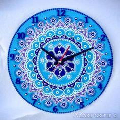 The Pearl wooden mandala clock Clock Painting, Clock Art, Pottery Painting, Dot Painting, Sharpie Artwork, Painted Rocks, Hand Painted, Mandala Dots, Mandala Drawing