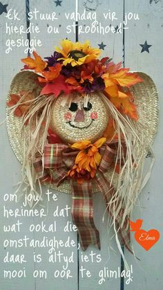 Best Ideas To Create Fall Wreaths Diy: Top 30 Handy Inspirations Diy Fall Crafts best fall diy crafts Thanksgiving Wreaths, Thanksgiving Decorations, Holiday Wreaths, Autumn Wreaths, Christmas Decorations, Fall Mesh Wreaths, Fall Decorations Diy, Fall Deco Mesh, Spring Wreaths